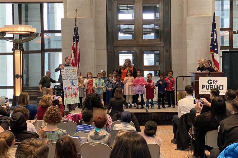 Huy Elementary Hearing Impaired Program On Stage